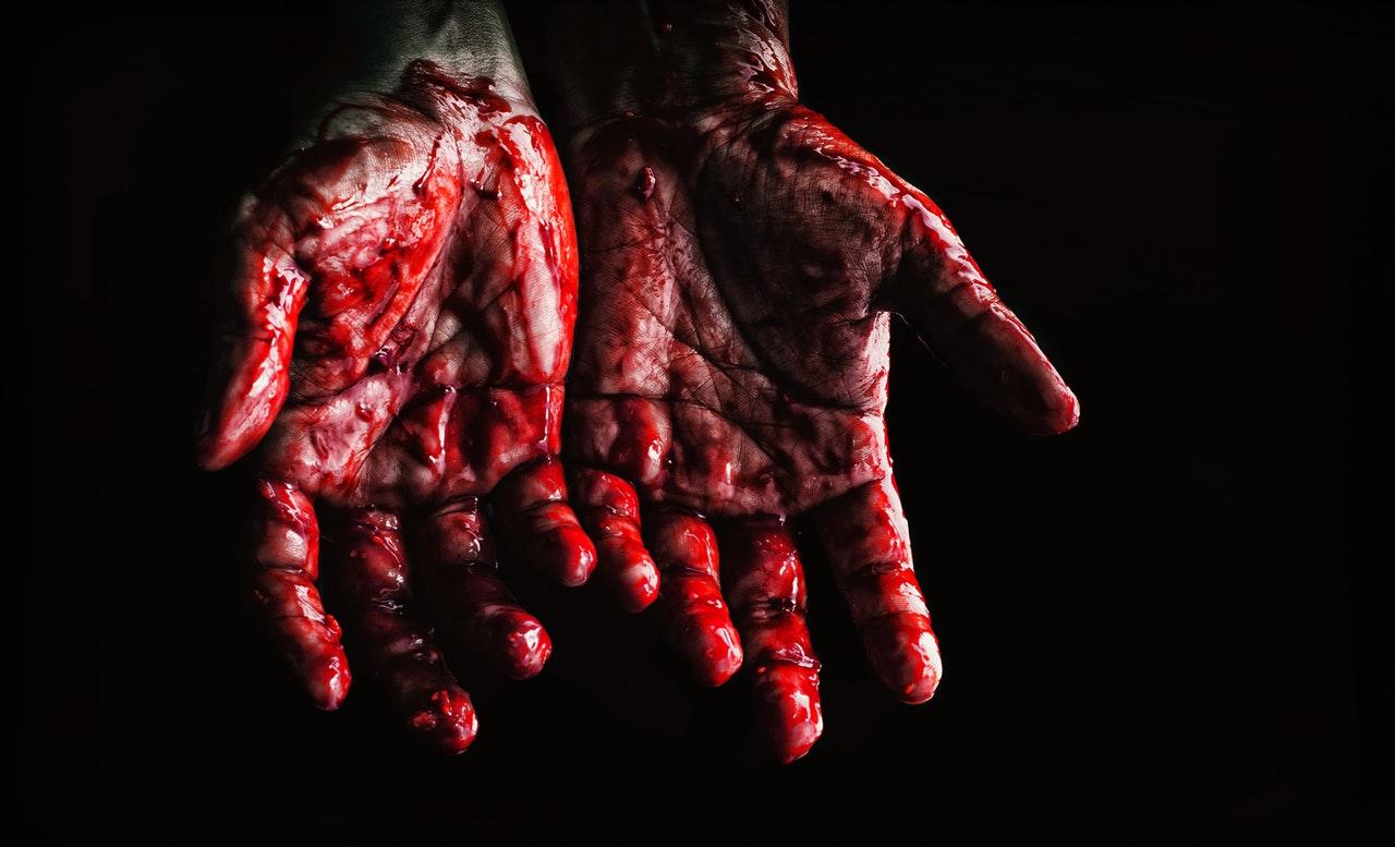 Blodiga händer